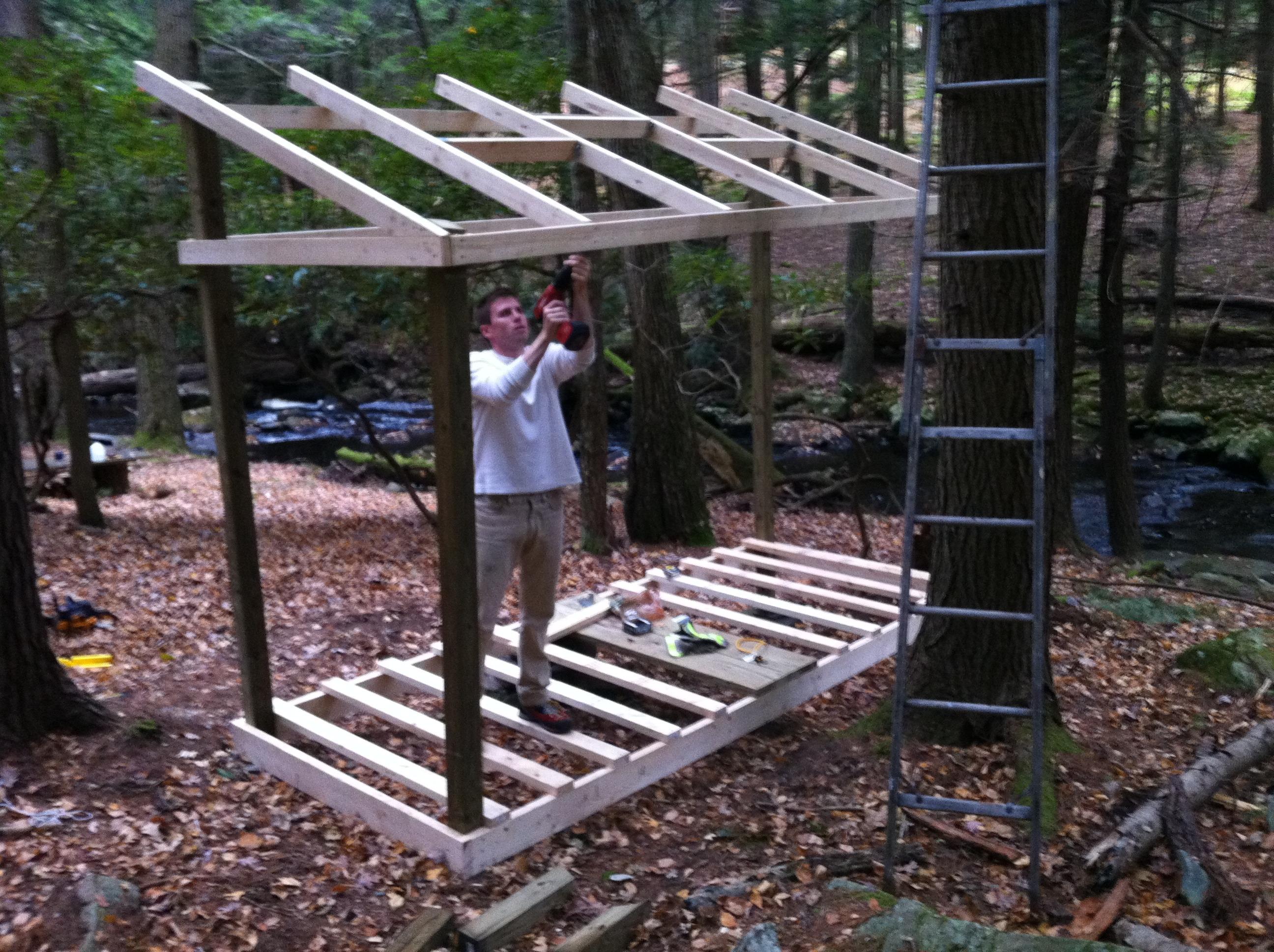 Строительство дровника на даче своими руками 94
